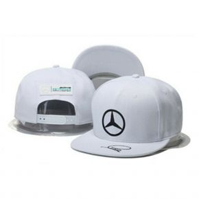 Mercedes-Benz kepuraitė